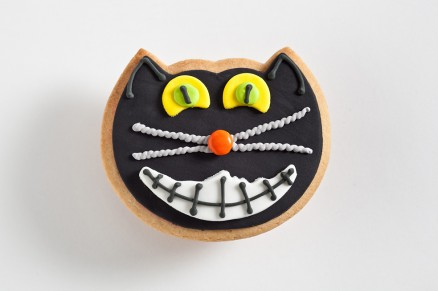 Favors: Black Cat